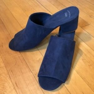 GAP Faux Suede Navy Block Heel Slides - Size 8